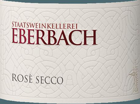 DerRosé Secco von Eberbach ist ein unbeschwerter, unkomplizierter Secco aus den Rebsorten Spätburgunder und weiteren roten, ergänzenden Rebsorten. Ein kräftiges Rosa mit glitzernden Glanzlichtern schimmert bei diesem Perlwein im Glas. Das Bouquet offenbart reife, saftige Beeren - besonders Erdbeere und Himbeere stellen sich in den Vordergrund. Untermalt werden die Aromen der Nase von blumigen Anklängen nach Veilchen. Am Gaumen ist dieser Secco sehr erfrischend mit süß gereifter Erdbeerfrucht. Das Finale wird von einem süßlichen Nachhall begleitet. Speiseempfehlung für den Eberbach Rosé Secco Genießen Sie diesen Perlwein aus Deutschland gut gekühlt als willkommenen Aperitif. Oder reichen Sie diesen Perlwein zu Desserts mit frischen Beeren.