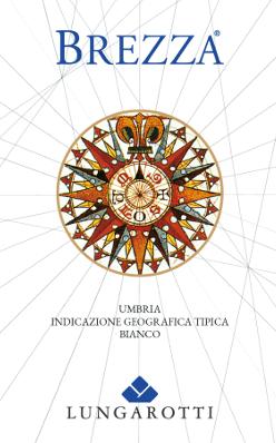 De Brezza Umbria Bianco IGT - Fattoria del Pometo van Lungarotti schittert in lichtstrogeel met delicate, groenachtige reflecties in het glas. In de neus presenteert het zich jeugdig, met fijne aroma 's van sappig fruit, perzik, groene appel en elegante bloemige noten op de achtergrond. In de mond inspireert deze witte wijn uit Umbrië met een levendige, delicate zuurgraad, van gemiddelde structuur, vol en fruitig, zacht en verfrissend in de finale, een bijna zoete noot in de langdurige afdronk. Vinificatie van Brezza Umbria Bianco IGT Fattoria del Pometo door Lungarotti Deze knapperige jonge witte wijn wordt gevinifieerd uit Grechetto, Chardonnay, Pinot Grigio en andere witte druivenrassen geteeld in de Fattoria del Pometo, een van de Lungarotti familie wijnmakerijen, op zanderige, medium, diepe bodems. Het oogsten gebeurt handmatig, de expansie in roestvrijstalen tanks door koud maceratieproces. Deze frisse en gemakkelijk drinkbare witte wijn is een van de eerste die u uitnodigt om te genieten in de herfst, kort na de oogst en vele maanden voor andere witte wijnen. Voedselaanbevelingen voor de Brezza Umbria Bianco van Lungarotti De windroos op het etiket doet denken aan de zeevaart en geeft tegelijkertijd aan waar deze wijn het beste smaakt: aan zee, op het strand, op het feest. Geniet van deze wijn met carpaccio van de wolfbarsch, makreel, rijst met groenten, pasta met vistomaten en basilicum, pastasalade, schol met peterselie en citroen of gerechten met licht vlees.