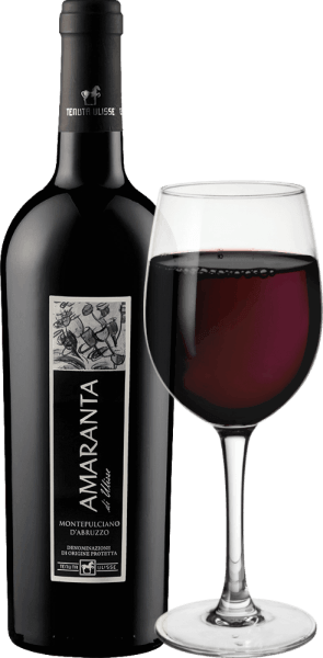 De AMARANTA di Ulisse Montepulciano d 'Abruzzo DOC van Tenuta Ulisse is een cru. Deze krachtige Italiaanse rode wijn stroomt in het glas in een zeer volle en elegante robijnrode kleur. Op de neus laat het zeer complexe en royale geuren zien met de heerlijke hints van pruimen en kersenjam. Deze fruitaroma 's gaan gepaard met nuances van tabak en een kruidige afdronk. In de mond is deze indrukwekkende Montepulciano d 'Abruzzo prachtig uitgebalanceerd en complex met aangename, perfecte tannines die goed in de structuur zijn geïntegreerd. Rijk en krachtig, deze rode wijn is een waar genot met een uitstekend uitgebalanceerd alcoholisch potentieel. Met een lange, warme en weelderige afwerking overtuigt de Amaranta over de hele linie. Een wijn van onbetwiste klasse, een prachtig eerbetoon vol liefde en respect voor de belangrijkste rode wijndruif van Abruzzo. De AMARANTA di Ulisse is, net als de andere wijnen van Tenuta Ulisse, opmerkelijk om zijn uitstekende prijs-kwaliteitverhouding. Vinificatie van de Amaranta di Ulisse door Tenuta Ulisse De druiven voor deze Cru Montepulciano d 'Abruzzo groeien in zeer oude wijngaarden op even oude wijnstokken, die gemiddeld 30-35 jaar hun wortels hebben kunnen graven in de kalkhoudende, fijne kleigrond. De zeer warme omgeving en lage regenval evenals sterke schommelingen tussen dag en nacht zorgen ervoor dat de druiven goed kunnen rijpen, maar verliezen hun zuurgraad niet. Na de zeer selectieve handpluk wordt een deel overrijp geoogst voor de Amaranta, worden de druiven in wijnmakerij Tenuta Ulisse afgebroken, gepureerd en wordt de most op een temperatuurgecontroleerde manier gefermenteerd. Daarna rijpt de Amaranta 9 tot 12 maanden in hoogwaardige Franse en Amerikaanse eiken barriques. Het inheemse druivenras Montepulciano d 'Abruzzo heeft de afgelopen jaren een echte renaissance meegemaakt. Je weet tot op de dag van vandaag niet veel over de oorsprong van deze donkere druif. Het werd lange tijd toegeschreven aan de kloongroep Sangiov